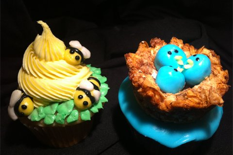 Birds and the Bees Cupcake