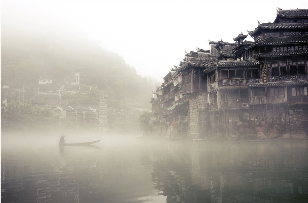 Edward Tse Was In Fenghuang Ancient City Of Hunan Province When He Captured This Breathtaking Image The Chinese Landscape All By Pure Chance