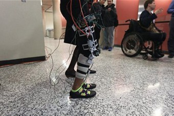 Photo of mechanized leg brace