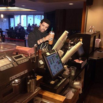 Photo of Drake purchasing a drink at a UTSC cafe