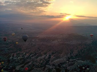 "Places/Things People's Choice: ""Balloon Sunrise"" by Alexandre Marchand-Austin"