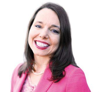 Headshot of Lindy Ledohowski