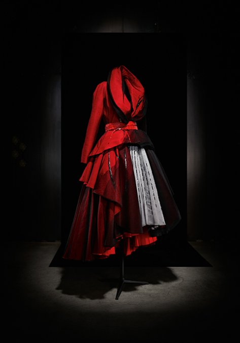 "John Galliano ""Passage # 5"" silk coat-dress and belt, Dior Haute Couture Spring Summer 2011"