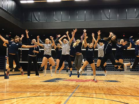 U of T's women's volleyball team hits the court at the new Goldring Centre