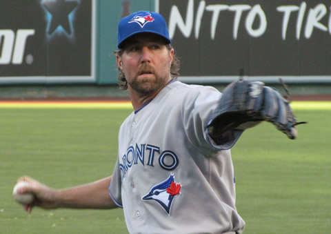 Toronto Blue Jays pitcher R.A. Dickey is one of few major league baseball players to throw the knuckleball. Photo by Dinur on Flickr.