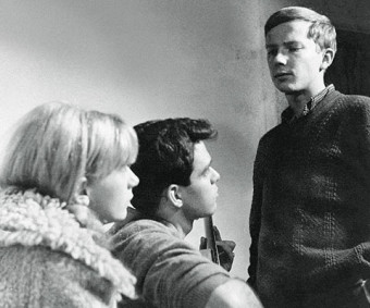 Winter Kept Us Warm stars, from left, Joy Tepperman (BA 1966 UC), who as Joy Fielding became a successful novelist, John Labow (BA 1964 UC) and Henry Tarvainen (BA 1969 UC) Photo: Courtesy of David Secter