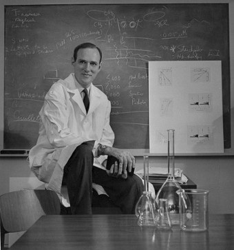 Dr. George Connell when he was chair of U of T's biochemistry department, 1966. Photo: Courtesy U of T Archives B1998-0033/009P [721012-1]