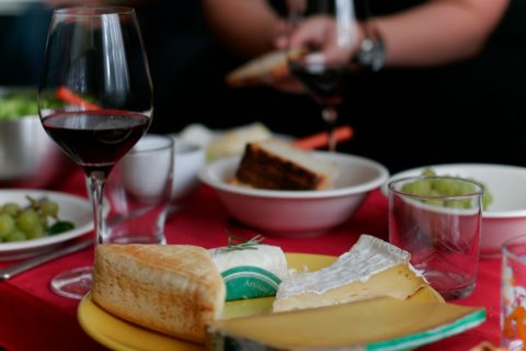 Wineandcheesemap.com shows you which wines and cheeses go best together