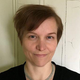 Headshot of Diane Peters