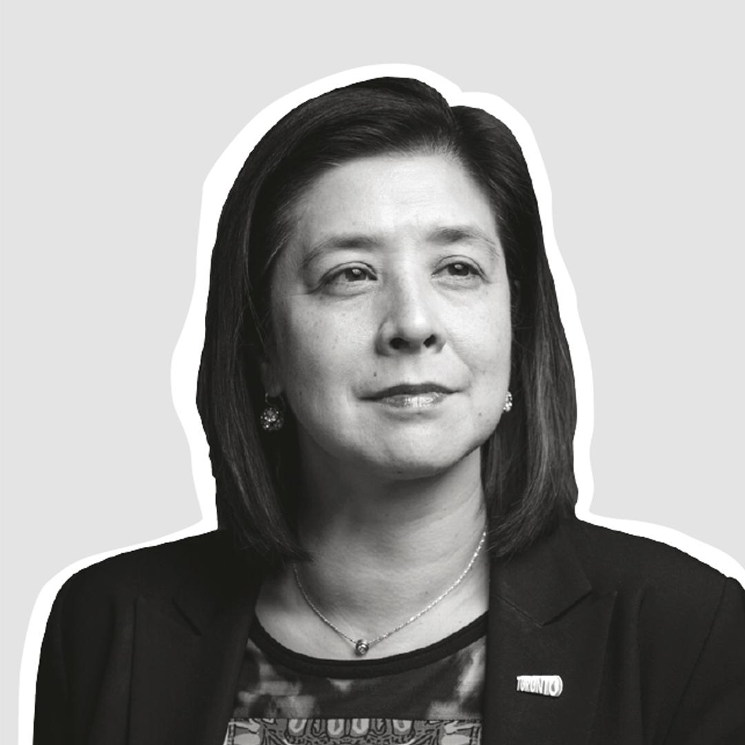 Headshot of Eileen de Villa